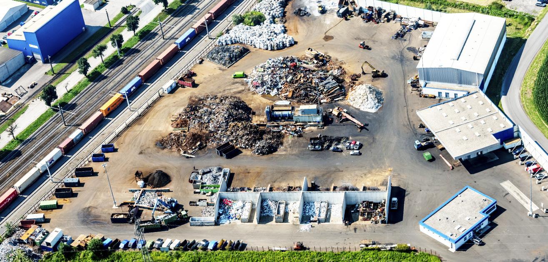 Unternehmen - Firmengelände aus der Luft fotografiert